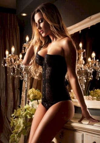 Female Escort and Call Girl Elisa in the United States (Image 2)