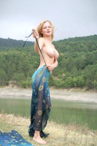 Female Escort and Call Girl Melanie in the United States (Image 3)