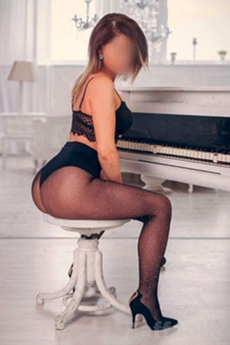 Female Escort and Call Girl Raffaella in the United States (Image 2)
