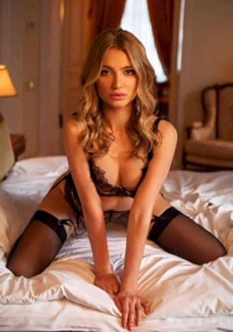 Female Escort and Call Girl Vivian in the United States (Image 2)